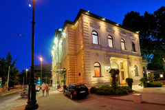 BOEDAPEST, HONGARIJE - JUNI 3, 2017: Het Gundelrestaurant is een luxurio Royalty-vrije Stock Foto's
