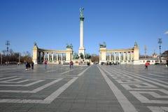Boedapest, Hongarije, 12 Maart, 2018: Toeristen bij Helden Vierkante Ho Royalty-vrije Stock Afbeelding