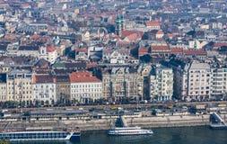 BOEDAPEST, HONGARIJE - NOVEMBER 6, 2015: Dijk van de Donau van Gellert-Heuvel Boedapest, Hongarije Royalty-vrije Stock Fotografie