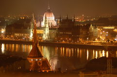 Boedapest - Mening van het Parlement Royalty-vrije Stock Foto
