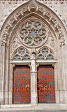 Boedapest - Zuidenportaal op de kerk van Heilige Matthew Stock Afbeelding