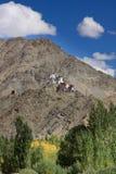 Boeddhistisch klooster in de bergen van Himalayagebergte, India Stock Fotografie