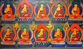 Boeddhistisch muurschilderij in klooster stock afbeelding