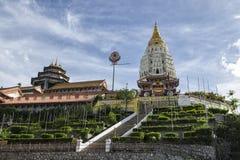 Boeddhistische Chinese die architectuur van de tempel van Kek Lok Si, in Lucht Itam in Penang, Maleisië wordt gesitueerd Royalty-vrije Stock Foto's