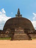 Boeddhistische dagoba (stupa) Polonnaruwa, Sri Lanka Stock Afbeeldingen