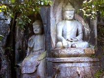 Boeddhistische de grottenstandbeelden van de Lingyintempel klippe Royalty-vrije Stock Foto's