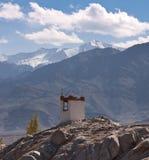 Boeddhistische gompa dichtbij Shey-klooster, Ladakh, India Royalty-vrije Stock Foto's