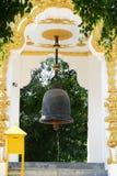 Boeddhistische klok. Kraan aan geluk. stock afbeeldingen
