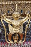 Boeddhistische monniken die Groot Paleis bezoeken Royalty-vrije Stock Afbeeldingen