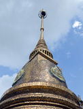 Boeddhistische pagode met bluesky achtergrond Stock Fotografie