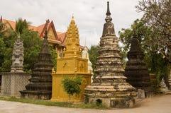 Boeddhistische Stupa bij de Tempel van Wat BO, Siem oogst, Cambod Royalty-vrije Stock Afbeeldingen