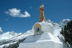 Boeddhistische Stupa in het Himalayagebergte Stock Fotografie
