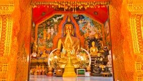 Boeddhistische tempel die in een tempel in Thailand wordt gevestigd Royalty-vrije Stock Afbeeldingen