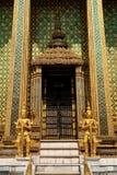 Boeddhistische tempel in groot paleis Bangkok Thailand royalty-vrije stock foto
