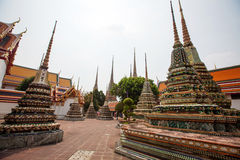 Boeddhistische tempel, Wat Pho in Bangkok Stock Afbeeldingen