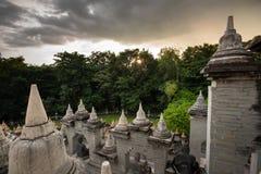 Boeddhistische Tempel: Zandsteenpagode in Pa Kung Temple in Roi Et van Thailand royalty-vrije stock afbeelding