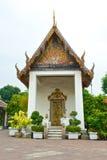 Boeddhistische tempelbinnenplaats Royalty-vrije Stock Afbeeldingen