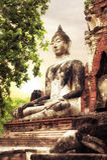 Boedha bij Wat Mahathat-ruïnes onder zonsonderganghemel Ayutthaya, Thailand royalty-vrije stock foto's