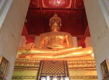 Boedha bij Watmongkolbophit-Tempel in Ayudhaya, Thailand Stock Foto