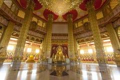 Boedha in de gouden ruimte royalty-vrije stock fotografie