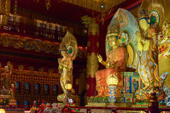 Boedha in de Tempel van het Tandoverblijfsel in de Stad van China, Singapore Stock Afbeelding
