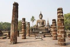 Boedha met steenkolommen in Thailand Stock Foto