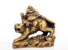 Boedha op witte achtergrond Het standbeeld van Boedha met tijger Stock Fotografie