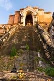Boedha in Wat Chedi Luang Stock Afbeeldingen