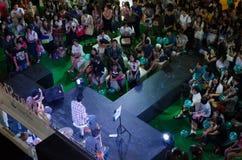 Boedha zegent muziekband het zingen. Centrale Ladprao. Royalty-vrije Stock Afbeelding