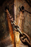 Boeg oud schip met ankerketting Stock Foto