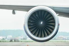 Boeing 767 à l'aéroport Photos stock