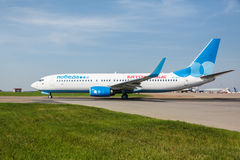 Boeing 737 αερογραμμές Pobeda που στέκονται σε Vnukovo Στοκ Εικόνες