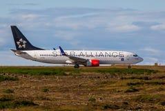 Boeing 737-883 Fotografering för Bildbyråer
