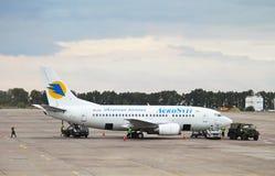 Boeing 737 aviões de jato de linhas aéreas do ucraniano de Aerosvit Fotos de Stock