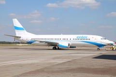 Boeing 737 - Entre no ar Fotos de Stock Royalty Free