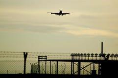 Boeing 747 che si avvicina Immagine Stock Libera da Diritti