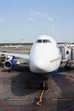 Boeing-747 no aeroporto de Domodedovo em Moscovo, Rússia Imagem de Stock Royalty Free