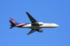 Boeing 777-200 thaiairway. Boeing 777-200 ,772 thaiairway with blue sky Royalty Free Stock Image