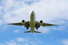 Boeing 777-200 thaiairway. Boeing 777-200 ,772 thaiairway landing  with blue sky Stock Photo