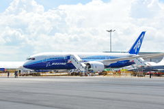 Boeing 787 Dreamliner passenger aircraft on display at Singapore Airshow Stock Images
