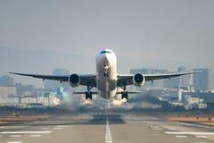 Boeing 777-300 Imagem de Stock Royalty Free