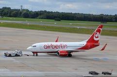 Boeing Airberlin dans l'aéroport Hambourg Image libre de droits