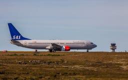 Boeing 737-883 royalty free stock photos