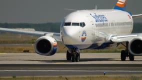 Boeing 737 antes da partida video estoque