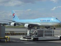 Boeing 747 av Korean Air Arkivfoton