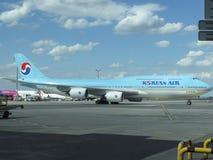 Boeing 747 av Korean Air Arkivfoto
