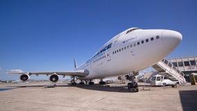 Boeing avec impériale 747, le deuxième plus grand avion de message publicitaire du passager du monde Photos libres de droits