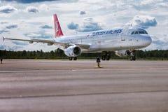 Boeing 737 Aviolet Fotos de Stock