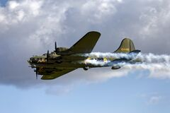 Free Boeing B-17 Flying Fortress Royalty Free Stock Image - 185812716