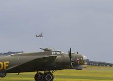 Boeing B-17 flygfästning på ställning på Duxford Royaltyfri Fotografi